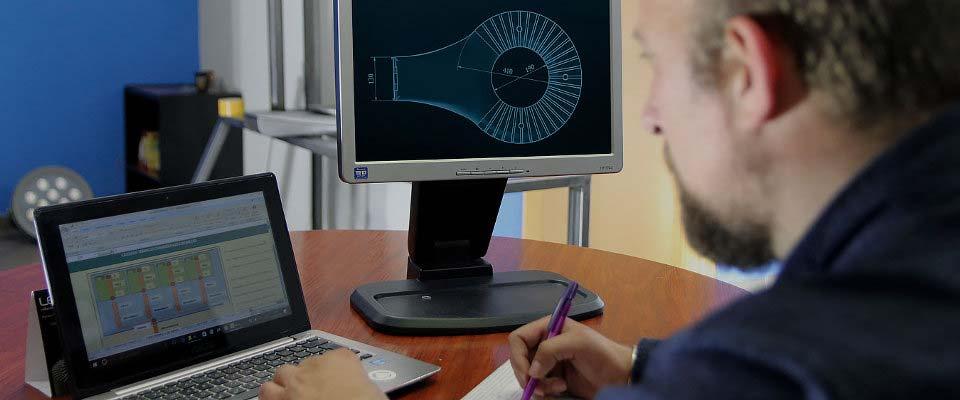LED5V. Oficina de Ingeniería y Proyectos. Cálculos
