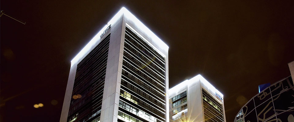 LED5V. Nuestros proyectos. Iluminación industrial. World Trade Center #2